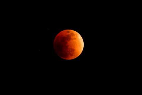 03皆既月食のときの色.jpg